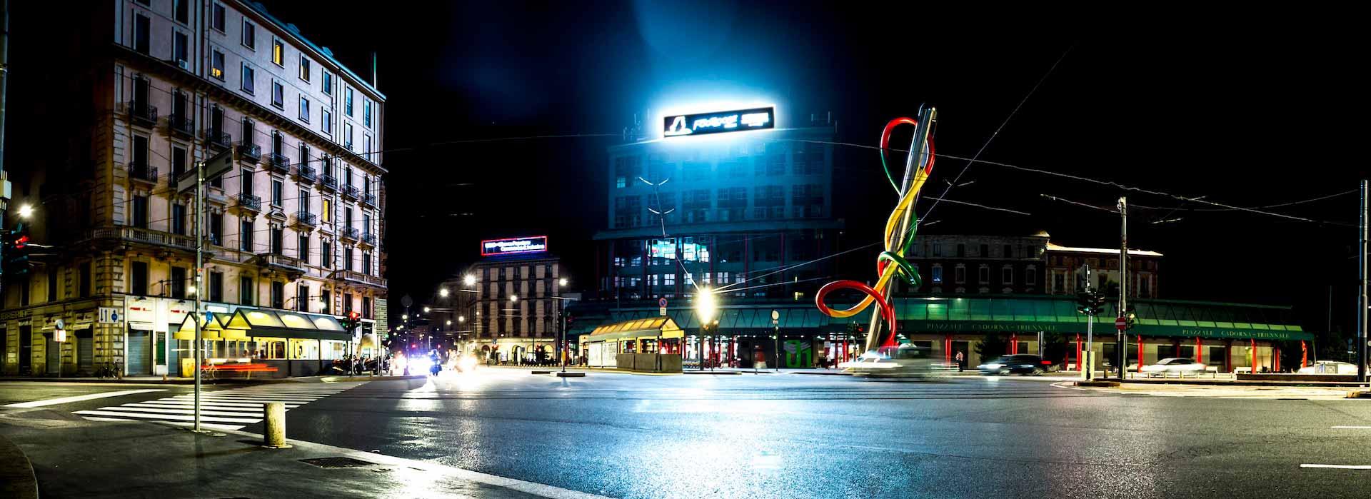 Led display su tetto piazza cadorna Milano