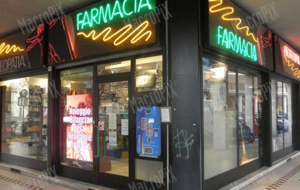 schermo led farmacia