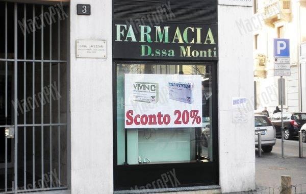 monitor pubblicitario farmacia