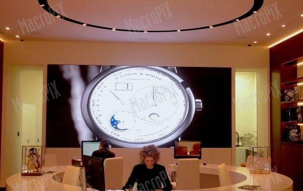 maxischermo pisa orologeria milano