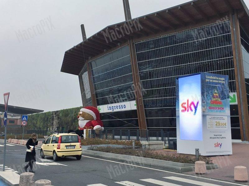 schermo gigante per promozione centro commerciale