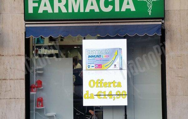 led screen farmacia