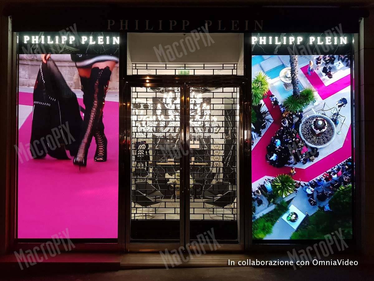 41941eea9867 LED screens shop windows PP sport flagship store Paris
