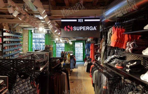 Led Screen indoor per game7 store - Firenze