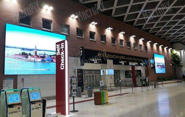 Led display indoor Aeroporto Venezia