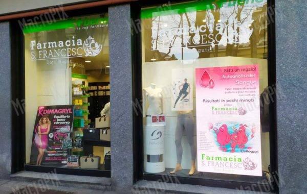Schermi a led per vetrina farmacia | san francesco