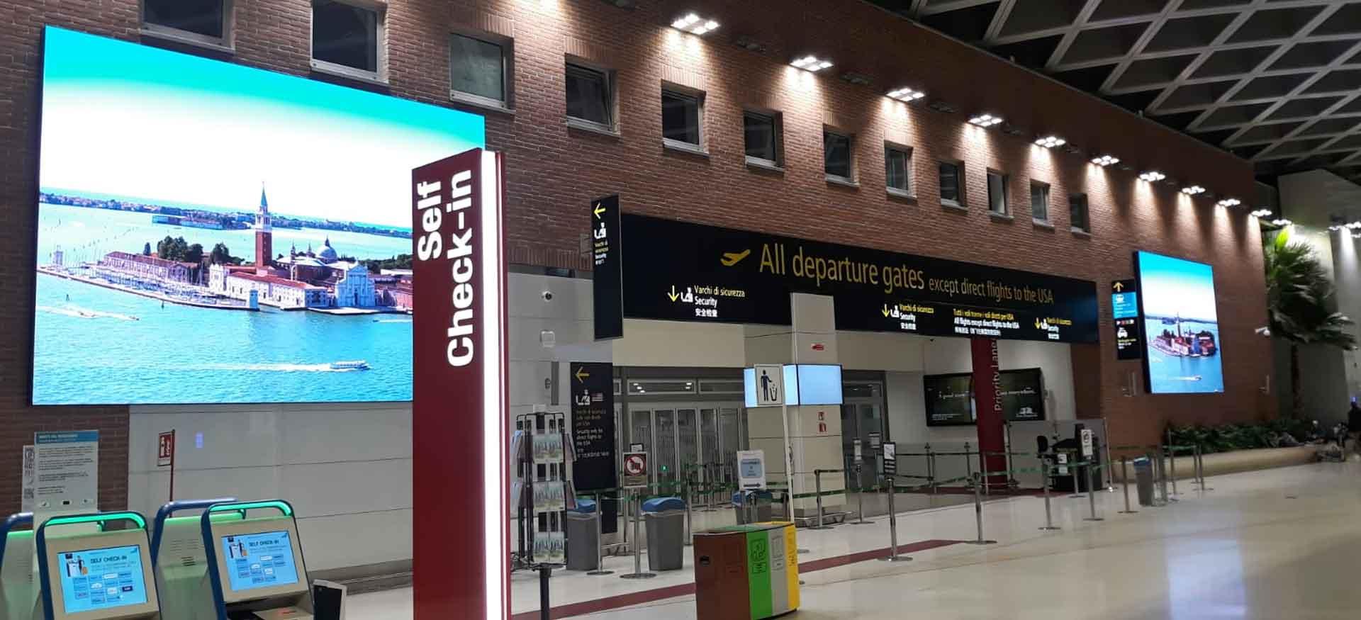 ledscreen_per_aeroporti indoor