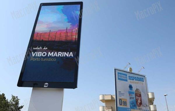 schermo led pubbliciario Vibo_marina